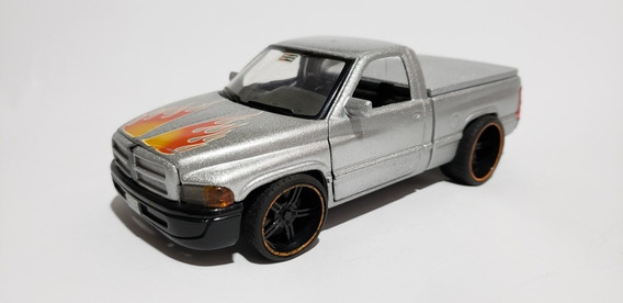 Miniatura Da Pick-up Dodge Ram 1999 - 1:26