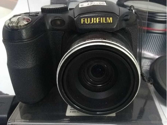 Câmera Fuji S2800