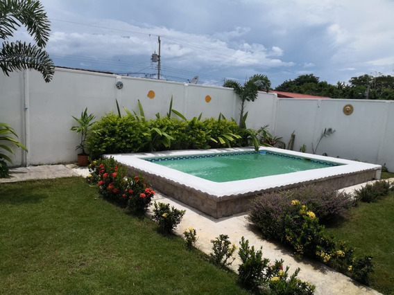 Se Vende Casa En Condominio Playa Bejuco, Quepos, Puntarenas