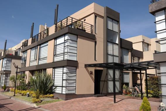 Casa Avalon Hills - 3 Pisos - 3 Habitaciones - 2 Garajes