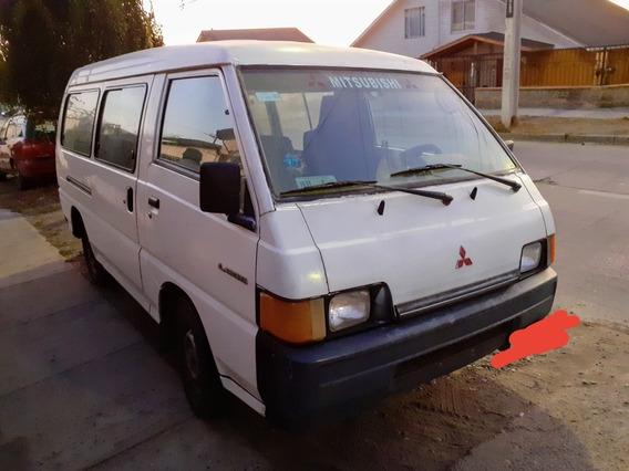 Mitsubishi L300 Minibus 2.5 Diesel