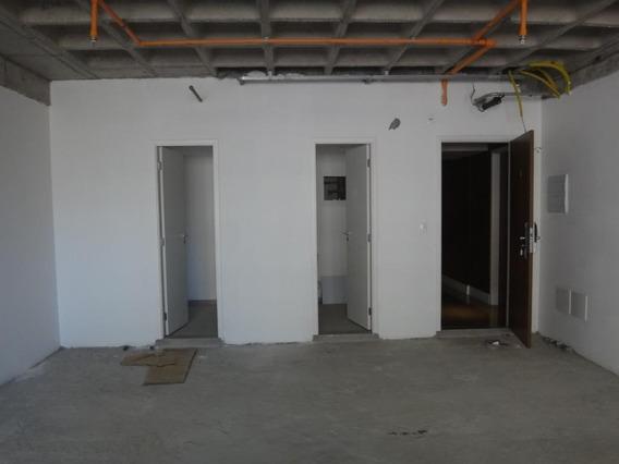 Sala Em Empresarial 18 Do Forte, Barueri/sp De 56m² À Venda Por R$ 357.759,00 - Sa610548
