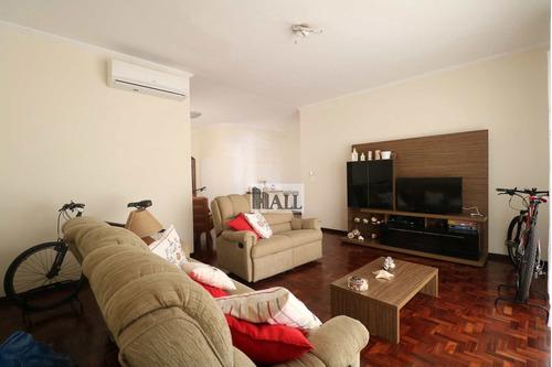 Casa Á Venda No Jardim América, 240m² 3 Dormitórios 2 Vagas - V7818