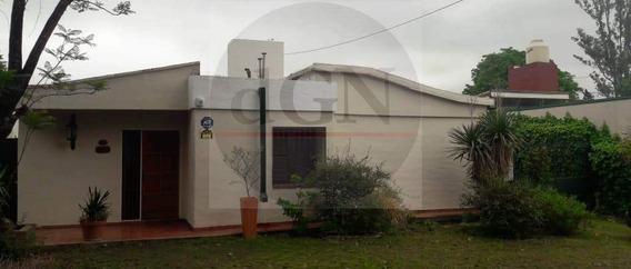 Casa Muy Linda Excelente Ubicacion - 3d Escritorio Dpto/quincho Pileta