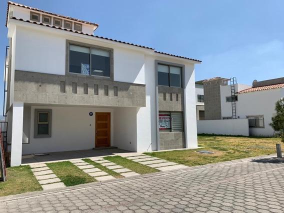 Renta Casa Nueva En Condado Del Valle, Metepec, Mex.