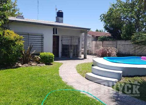 Casa Fondo En Venta En Quilmes Oeste