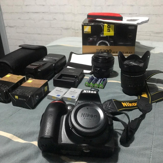 Nikon D5300 + Lente 35mm + Flash + Ct 16gb + 2 Bat + Bolsa