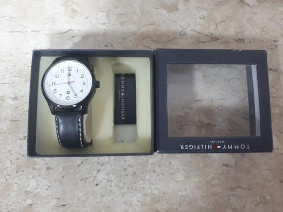 Relógio Tommy Hilfiger Masculino Couro Preto - 1710309