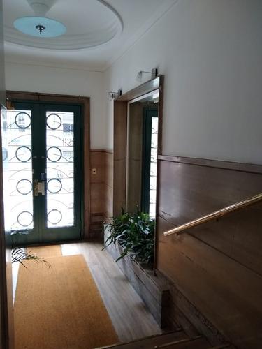 Apartamento De Época - Excelente Estado - Ambientes Amplios