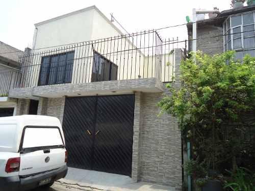 Bonita Casa A Unos Pasos De La Corona R1 En Privada