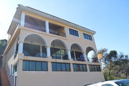 Casa En Renta En Zapopan, Colonia Las Cañadas.