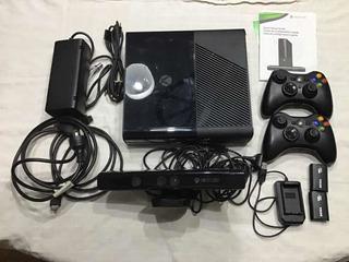 Xbox 360-2 Joy-baterías/cargador-kinectic-10 Juegos-impecabl