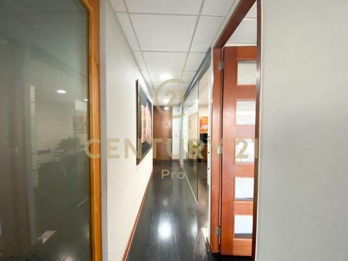 Moderna Oficina Habilitada Y Amoblada