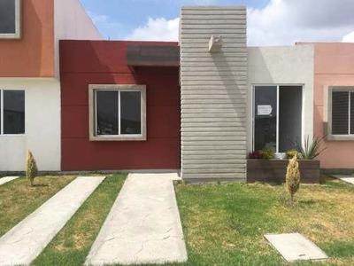 Casa Sola En Venta Excelentes Casas En Fracc Con Alberca Y Salón De Usos Múltiples