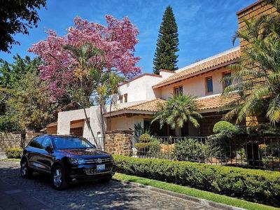 Casa De 5 Recamaras En Residencial Sumiya