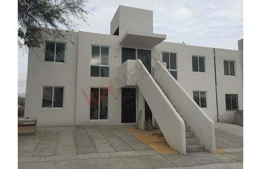 Remato Casas Tipo Dúplex Planta Alta, Cerca De Juriquilla, Queretaro, Precio $460,000 A $400,000 Solo Pago De Contado.