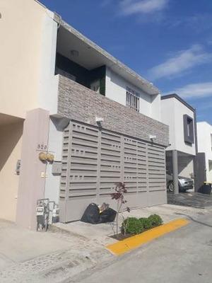 Casa En Venta Lomas Sec. Privado Garcia