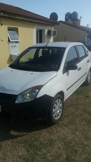Ford Fiesta Max Ambient