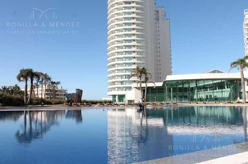 Aquarela, Piso Alto, 2 Suites, Toilette, Dependencia, Financia 50%!!