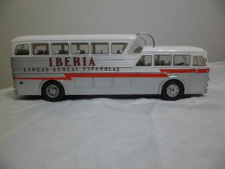 Pao - Bus Pegaso A Escala 1/43 , Con Detalles , Ibertrans