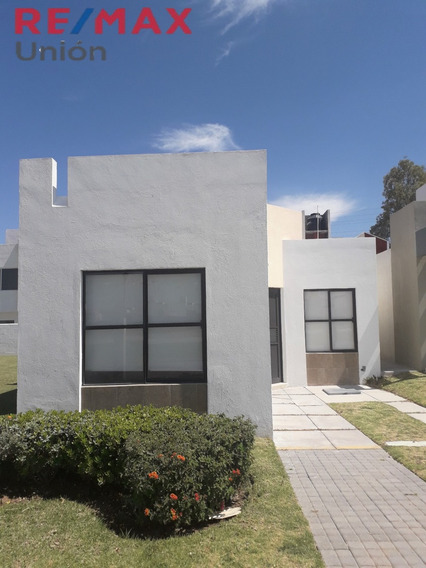 Venta De Casa En Residencial San Gerardo. Mod. Galicia Coto 89