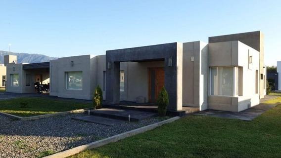 Casa En Venta En Chacras Del Valle Nuevo, Country Club