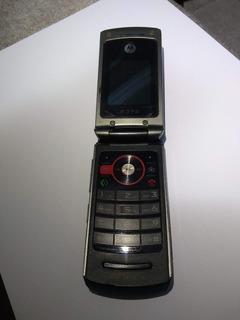 Celular Motorola W396 - Defeito