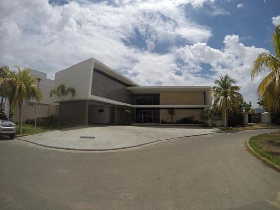 Mariaestela Vende Villa A Estrenar 19-17770