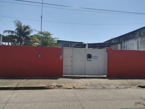 Terreno En Renta, Col. Centro, Coatzacoalcos, Ver.