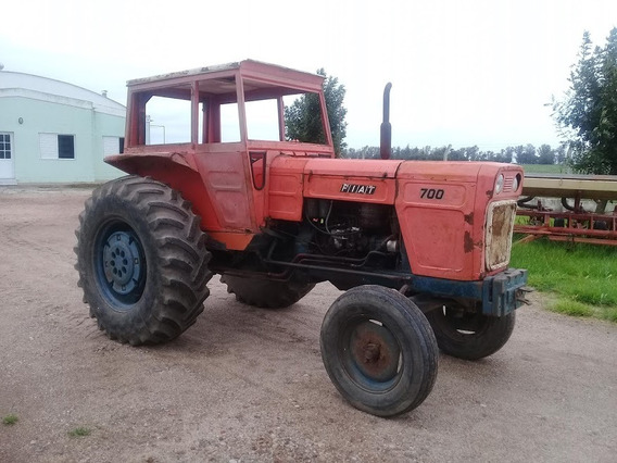 Tractor Fiat 700