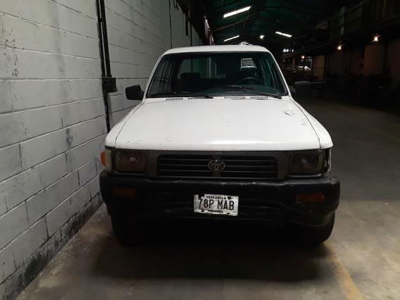 Camioneta O Vehiculo Toyota Hilux Doble Cabina Año 1997