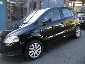 Volkswagen Fox 1.6 Plus Total Flex 4p