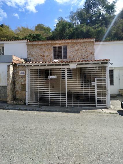 Bella Casa En Santa Ines, 2 Pisos, 6 Hab, 4 Baños