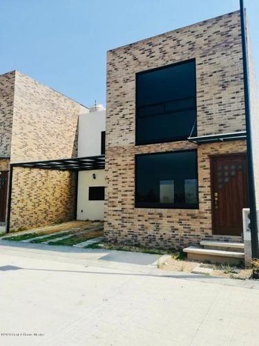 Casa En Venta En Pachuquilla, Mineral De La Reforma, Rah-mx-20-2498