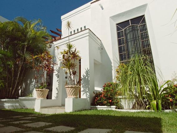Hermosa Casa En Esmeralda, Colima. 300 M2.