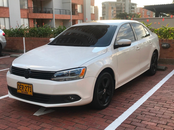 Volkswagen Nuevo Jetta Perfecto Estado Color Blanco