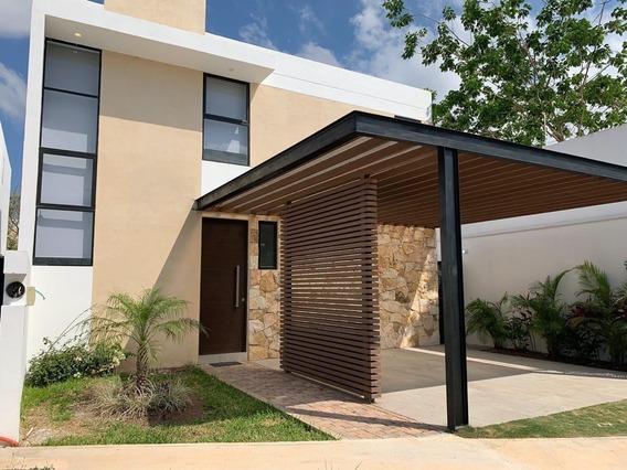 Casa Nueva En Venta En Residencial Altamira, Modelo C En Exterior, Mérida Norte