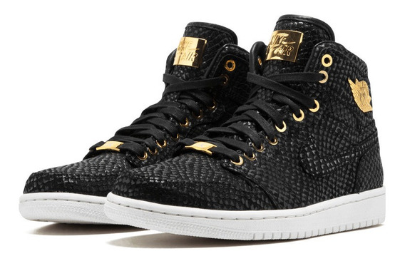 Air Jordan Retro 1 Pinnacle Black