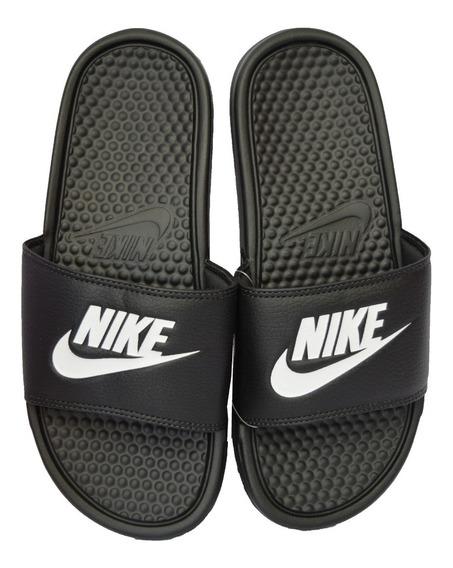 Ojota Nike Benassi Jdi Hombre Negra Con Blanco