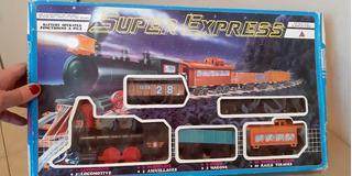 Tren Super Express Tren; Locomotora Vagones Y Rieles; A Pila