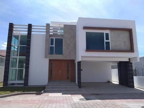 Casa En Venta En Jardines Bellavista Metepec, A Estrenar