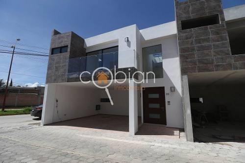 Casa Nueva En Venta A 5 Min. Explanada, Momoxpan, Puebla