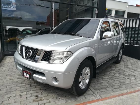 Nissan Pathfinder Std