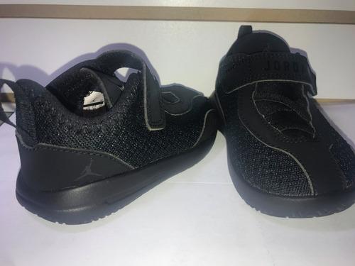 Imagen 1 de 6 de Zapatillas Jordan Para Niño