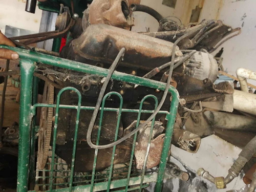 Imagen 1 de 2 de Motor 6v Turbo A Gasolina Con Carburador