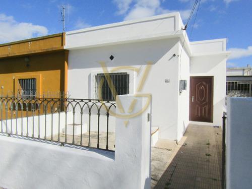 Imagen 1 de 10 de Casa  1 Dormitorio  Las Acacias