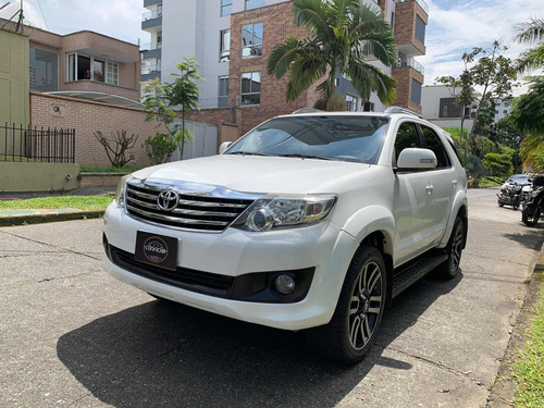 Toyota Fortuner 2.7l 4x4 At