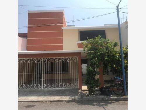 Casa Sola En Renta Fracc. Jardines De Mocambo