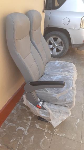 Asientos De Minivan Nuevos Sin Uso. Reclinables De Tela