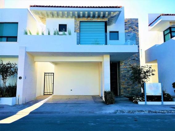 Casa En Venta En Venta En Residencial Al Norte De Saltillo